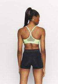 Nike Performance - INDY BRA - Sujetadores deportivos con sujeción ligera - barely volt/black - 2