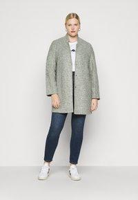 Vero Moda Curve - VMSOPHIA - Jeans Skinny Fit - medium blue denim - 1