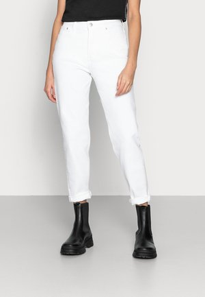 MOM JEAN - Džíny Slim Fit - white