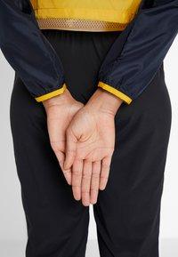 New Balance - VELOCITY JACKET - Sports jacket - varsgold - 2