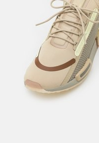 adidas Originals - NMD_R1 SPECTOO UNISEX - Trainers - savannah/fear grey/yellow - 5