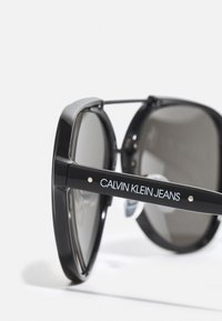 Calvin Klein Jeans - UNISEX - Sunglasses - black - 2