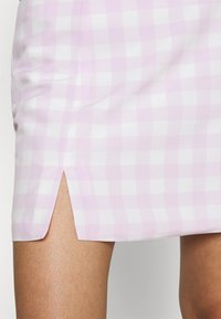 Glamorous - MAYA HIGH-WAISTED SKIRT WITH FRONT SIDE SPLITS - Mini skirt - lilac - 4