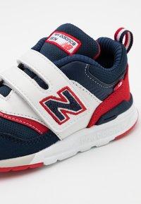 New Balance - IZ997HVP - Sneakers basse - navy/red - 5