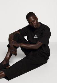 Fiorucci - TEE - Print T-shirt - black - 4