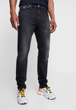 SLIM TAPER - Jeans Tapered Fit - black