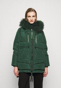 MAX&Co. - MUGHETTO - Kabát zprachového peří - green - 0