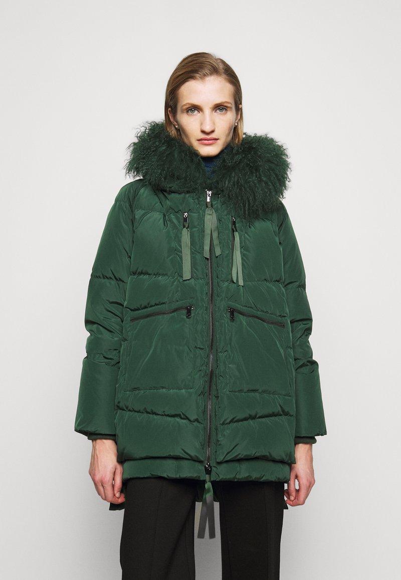 MAX&Co. - MUGHETTO - Kabát zprachového peří - green