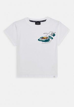 ISLAND SOUVENIR TEE - Print T-shirt - white