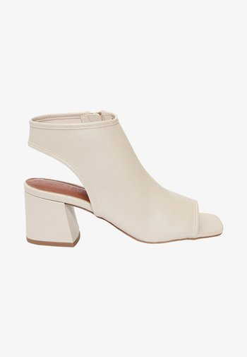 Ankle cuff sandals - off white