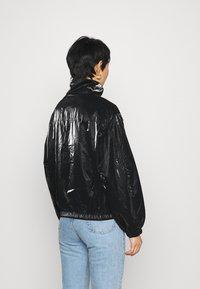 Calvin Klein Jeans - ZIP THROUGH - Windbreaker - black - 2