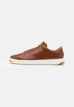 GRANDPRO TENNIS - Trainers - woodbury handstain
