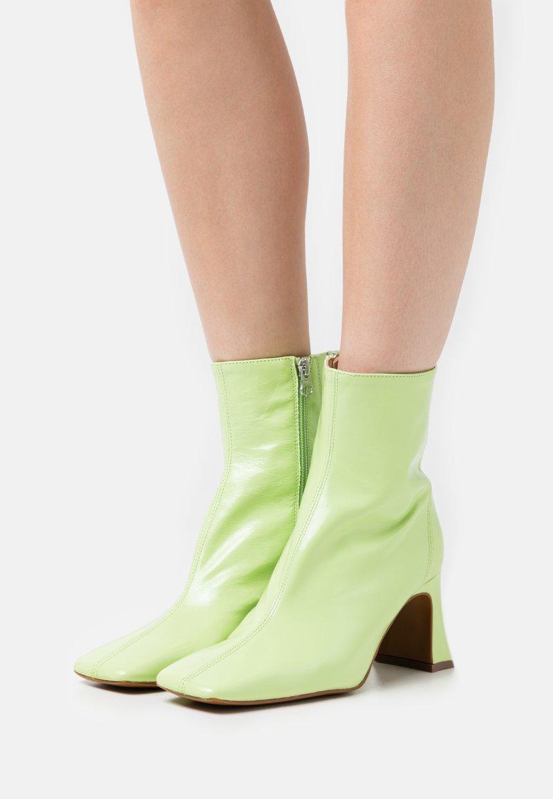 Chio - Kotníkové boty - verde malory