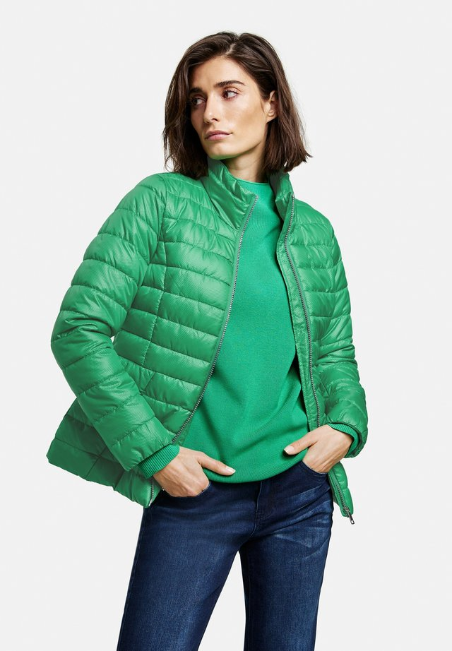 Light jacket - vibrant green