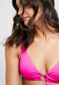 Seafolly - RING FRONT CROP - Bikini top - ultra pink - 5
