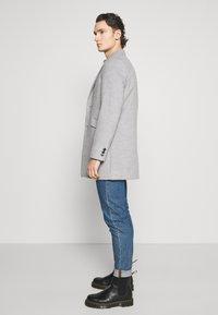 Burton Menswear London - FAUX BUTTON - Short coat - light grey - 3