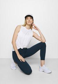 Sweaty Betty - POWER WORKOUT 7/8 LEGGINGS - Leggings - beetle blue - 1