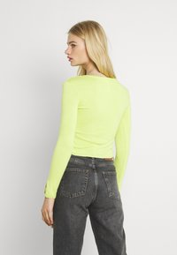 KENDALL + KYLIE - Vest - lime - 2