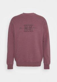 Han Kjøbenhavn - ARTWORK CREW - Sweatshirt - faded dark red - 5