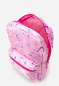 Kidzroom - BACKPACK PEPPA PIG FAVORITE THINGS UNISEX - Rucksack - pink - 2