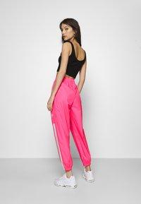 Nike Sportswear - PANT  - Pantalon de survêtement - hyper pink/white - 2