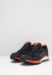 adidas Performance - TERREX AGRAVIC TR GTX - Obuwie do biegania Szlak - core black/grey four/solar red - 2