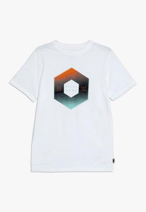 CESS TEE BOY - Print T-shirt - white