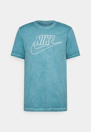 TEE DYE WASH - Camiseta estampada - dark teal green
