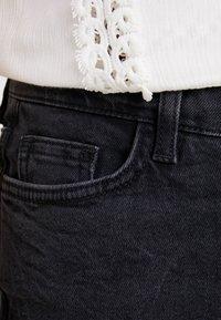 New Look Petite - STRAIGHT CROP HARLOW - Jeans Straight Leg - black - 5