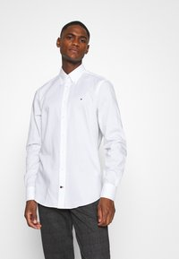 Tommy Hilfiger Tailored - OXFORD BUTTON DOWN SLIM SHIRT - Formal shirt - white - 0