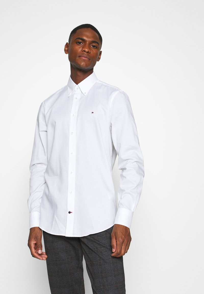 Tommy Hilfiger Tailored - OXFORD BUTTON DOWN SLIM SHIRT - Formal shirt - white