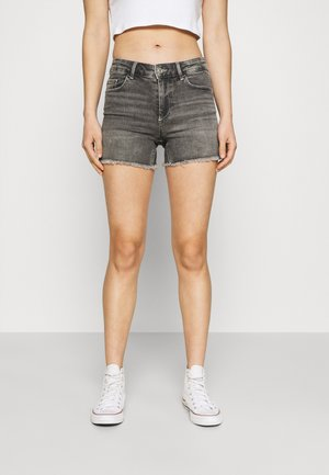 ONLBLUSH  LIFE MID RAW - Denim shorts - medium grey denim
