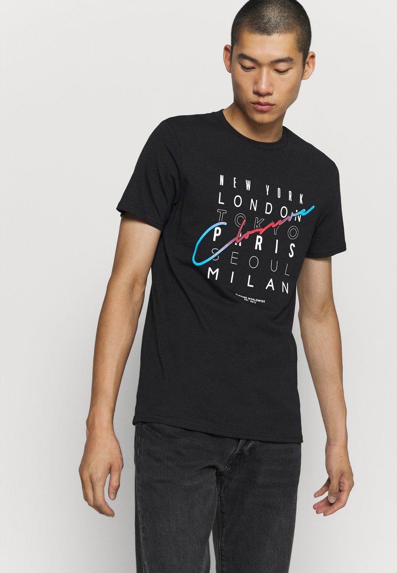 CLOSURE London - CITY TEE - Print T-shirt - black
