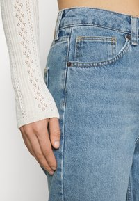 BDG Urban Outfitters - VINTAGE MOM - Relaxed fit jeans - blue denim - 3