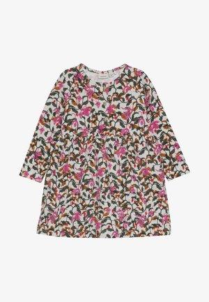 NMFLIRA DRESS - Žerzejové šaty - snow white