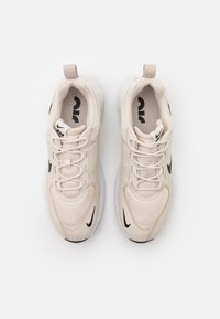 Nike Sportswear - AIR MAX VERONA - Sneakers basse - light orewood burn/black/pure platinum/white - 4