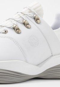 Timberland - EMERALD BAY - Trainers - white - 2