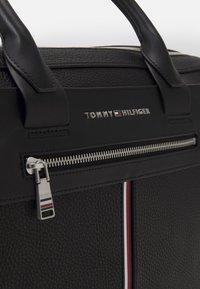 Tommy Hilfiger - DOWNTOWN SUPER SLIM COMP BAG - Briefcase - black - 4