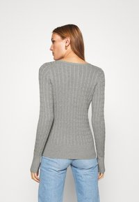 Abercrombie & Fitch - ICON CABLE VNECK - Jumper - light grey - 3