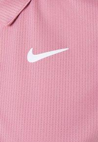 Nike Performance - VICTORY  - Tekninen urheilupaita - elemental pink/white - 2