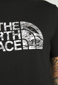 The North Face - WOODCUT DOME TEE - T-shirt print - black - 4