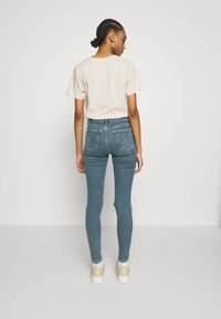 Topshop - ALABAMA JAMIE  - Jeans Skinny Fit - green cast - 2