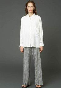 Hope - EASE  - Trousers - grey stripe - 1