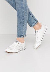 H.I.S - Sneakersy niskie - white - 0
