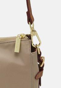 U.S. Polo Assn. - HOUSTON LARGE HOBO - Shopping bag - light taupe - 3