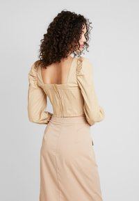 Missguided - CORSET STYLE - Blůza - sand - 2