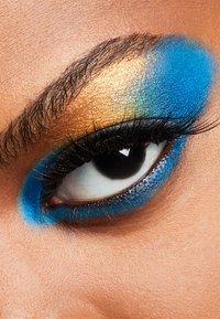 MAC - ART LIBRARY - Eyeshadow palette - it's designer - 7