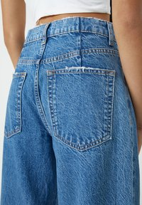 PULL&BEAR - Flared Jeans - blue - 4