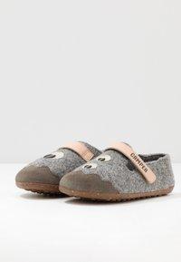 Camper - TWINS - Pantuflas - grey - 1