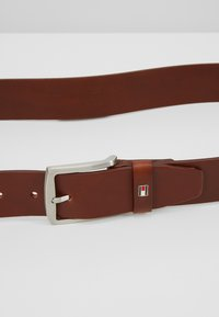 Tommy Hilfiger - NEW DENTON - Ceinture - dark tan - 4